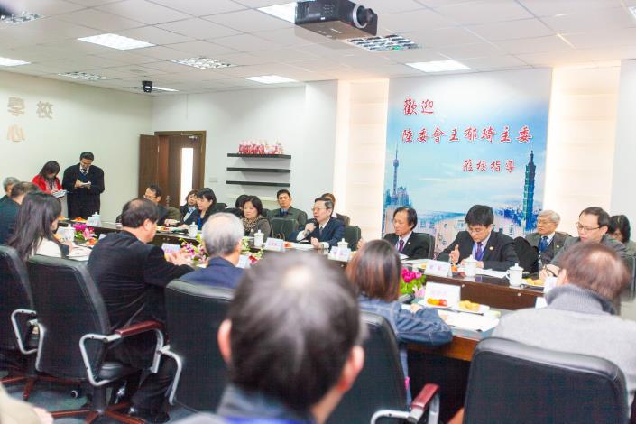 王主委參訪上海臺商子女學校