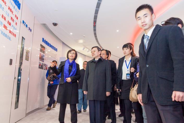 王主委與上海智庫學者座談並參訪上海廣播電視臺