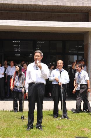 臺中市胡市長陪同參訪市政建設(惠明盲校)